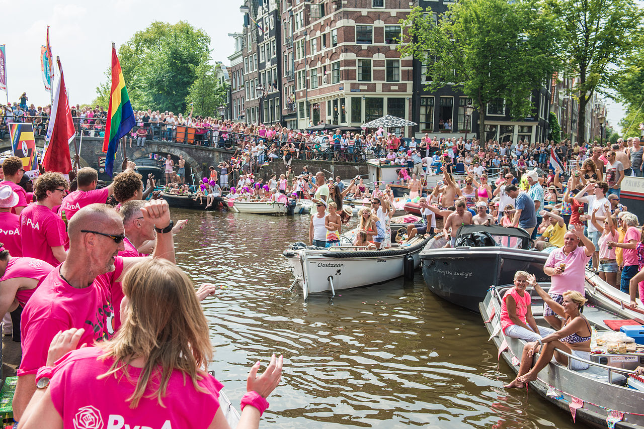Gay visitors to amsterdam bears