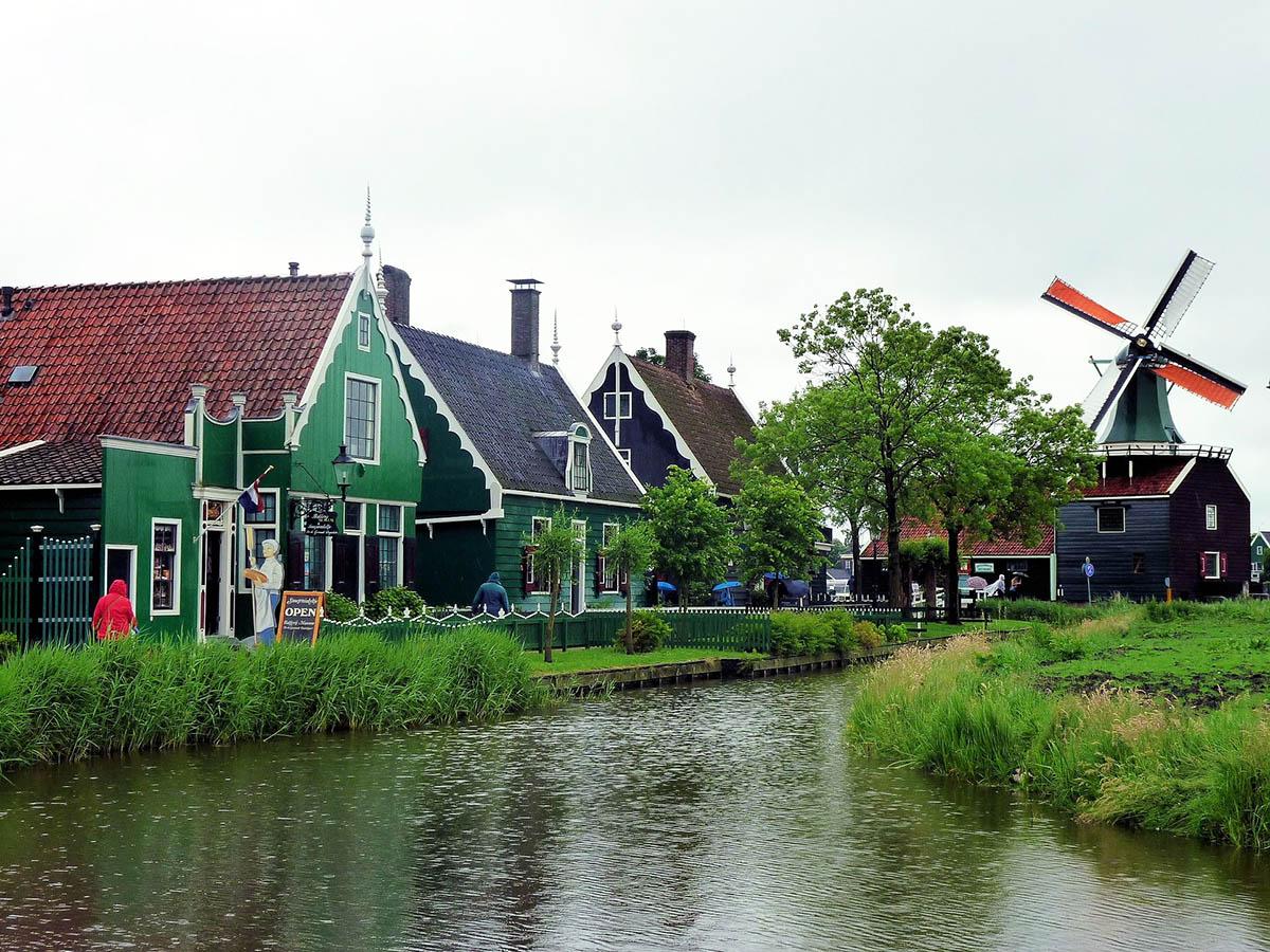 из амстердама в зансе сханс